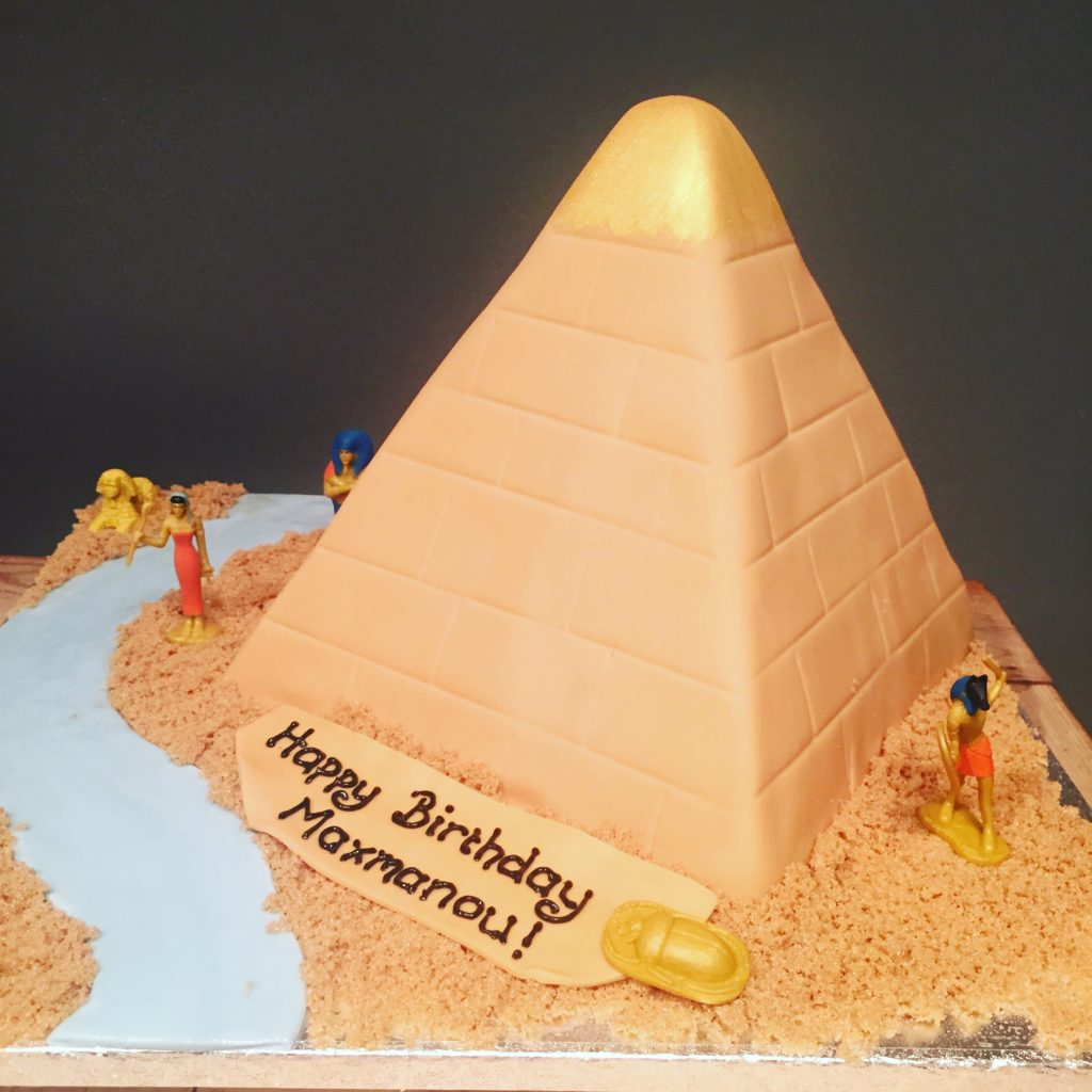 Superb Egyptian Birthday Cake Etoile Bakery Funny Birthday Cards Online Necthendildamsfinfo