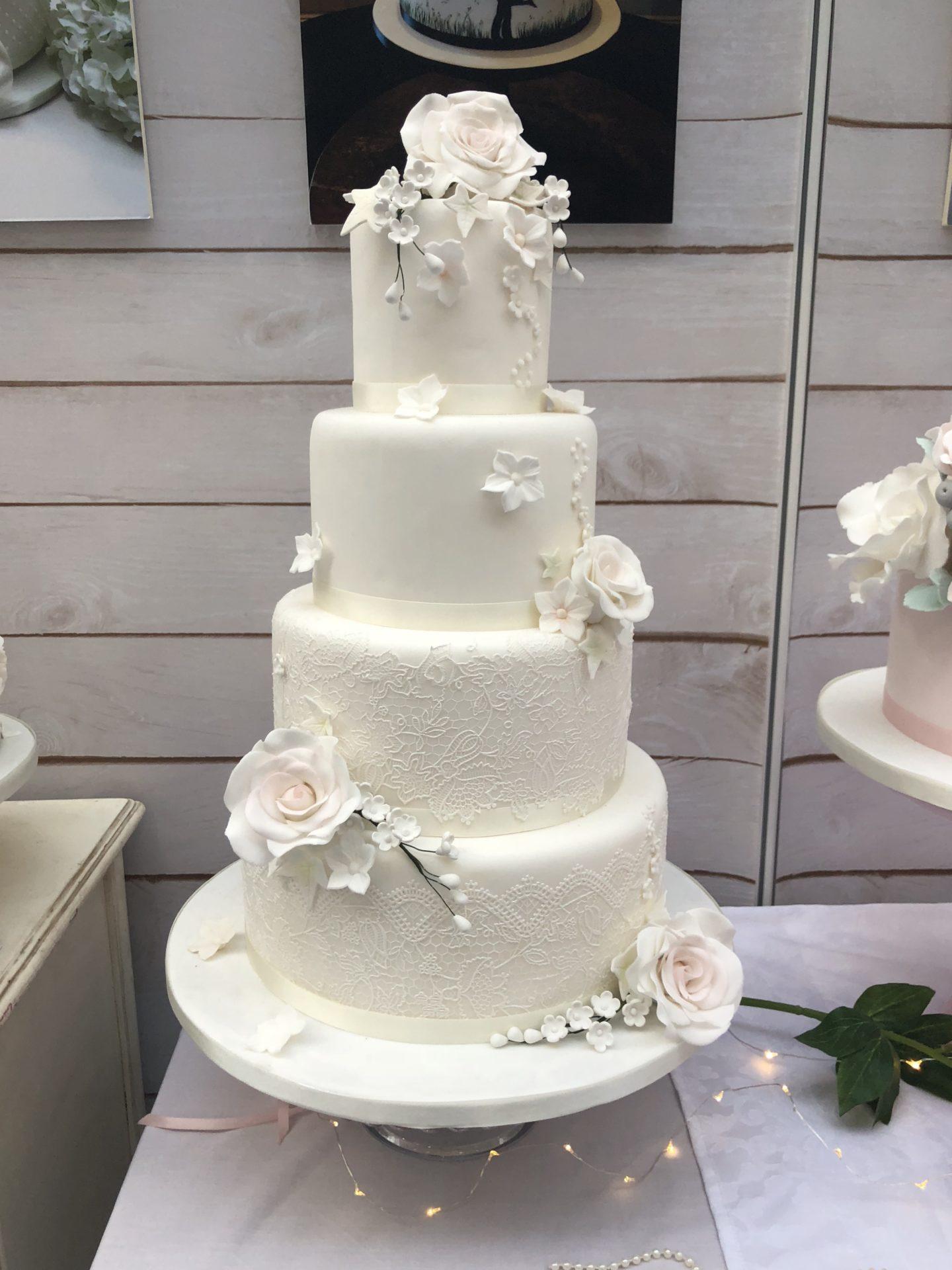 fullsizeoutput_46fdRose and Lace Wedding Cake
