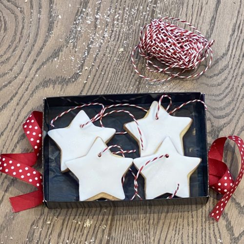 Star Biscuits to Hang on a Tree