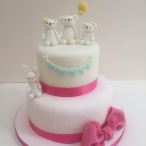 Bears and bunnies cake